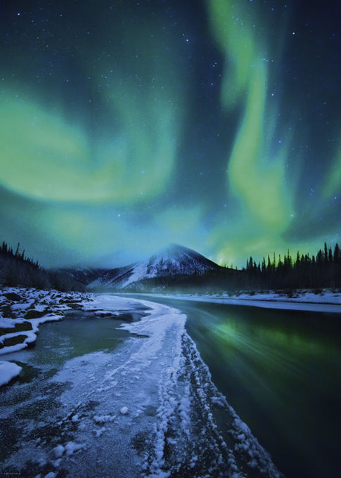 POWER NATURE: NORTHERN LIGHTS
